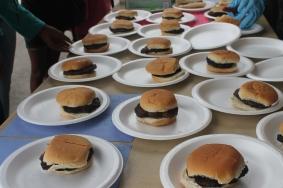 Look at those yummy burgers!